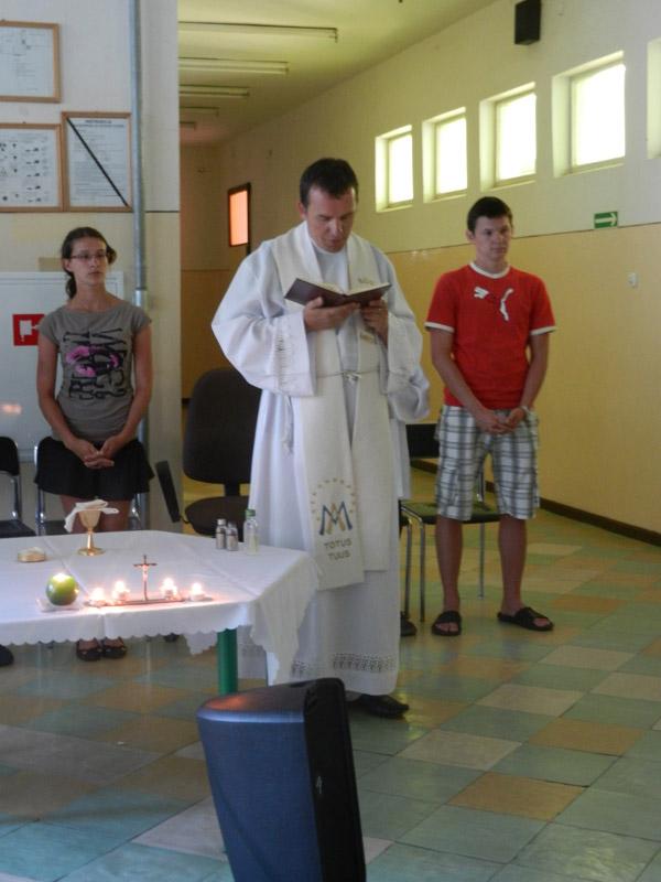 Łodygo 2011, msza w szkole