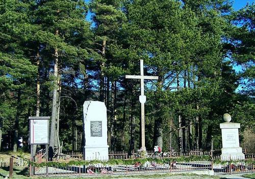 06.pomnik przełęcz chyszówki